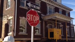 VIDEO: Workers Moving House on 8th and Park